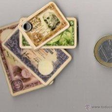 Material numismático: NUMISMATICA ---- LLAVERO CON MINIATURA DE BILLETES DE 1, 5, 25 Y 50 PTAS. Lote 28788614