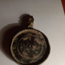 Material numismático: MUY ANTIGUO COLGANTE DE BRONCE PONE FLORES. Lote 109311559
