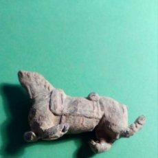 Material numismático: ANTIGUO CABALLO DE PLOMO. Lote 117878554