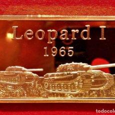 Material numismático: LINGOTE ORO DEL LEOPARD I 1965 Y EMBLEMA DE LA DIVISIÓN ALEMANA PANZER. Lote 196369585