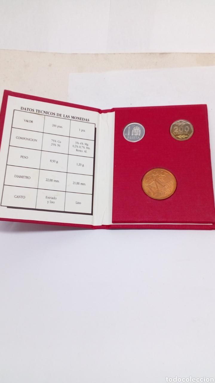 MONEDAS DE 200PTS Y 1PTS EN SU ESTUCHE (Numismatik - Numismatisches Material)