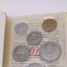 Numismatisches Material - 6 Monedas 100 50 25 5 1 0,5 pesetas y centimos en su estuche con características de monedas - 156831724
