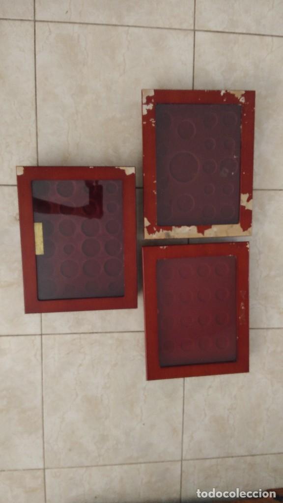 3 VITRINAS PARA MONEDAS PLATA Y ORO HISTORIA DE LA PESETA (Numismática - Material Numismático)