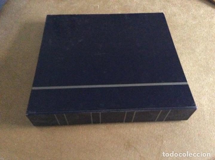ALBUM CON 10 HOJAS Y 11 SEPARADORES (Numismática - Material Numismático)