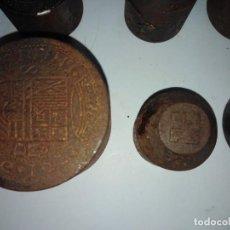 Material numismático: 49 TROQUELES ANTIGUOS PARA MONEDAS DECORATIVAS O MEDALLAS. Lote 200730143