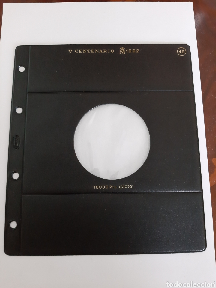 HOJA PARDO MONEDAS JUAN CARLOS I V CENTENARIO 1992 10000 PESETAS PLATA ESPAÑA (Numismática - Material Numismático)