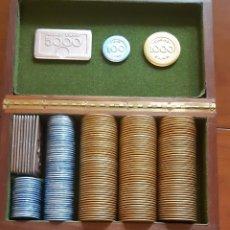Matériel numismatique: ANTIGUA CAJA CON 222 FICHAS CASINO ITALIANO E.A.M.P (VER FOTOS ). Lote 213903793