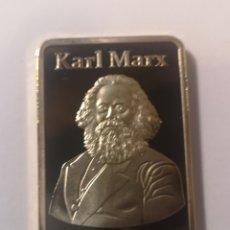 Material numismático: LINGOTE BAÑADO EN ORO DE 24 KLT KARL MARX. Lote 218184230