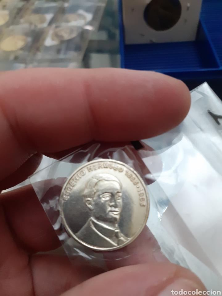 MEDALLA MONEDA PLATA PERSONAJES ILUSTRES EXTREMADURA EUGENIO HERMOSO REF37 (Numismática - Material Numismático)