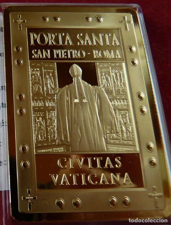BONITO LINGOTE CON ORO DE LA PORTA SANTA SAN PIETRO DE ROMA DE LA CIUDAD VATICANA (Numismática - Material Numismático)