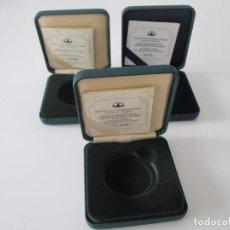 Material numismático: LOTE DE 3 CAJAS VACIAS PARA MONEDAS TIPO ONZA. Lote 294086743
