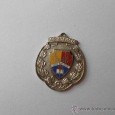 Medallas condecorativas: ANTIGUA MEDALLA ESCOLAR A LA ASISTENCIA, LICEO SAN JOSÉ. LOS TEQUES.. Lote 36038790