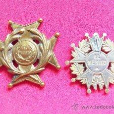 2 Antiguas medallas al Mérito Estudiantil - Uruguay