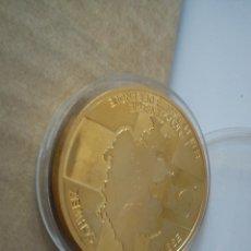 Medallas condecorativas: PRECIOSA MONEDA PARA COLECION TIENE CERTFICADO REPRESENTA LA SERIE DE BILLETES DE 10 FR.SUIZE. Lote 48931429
