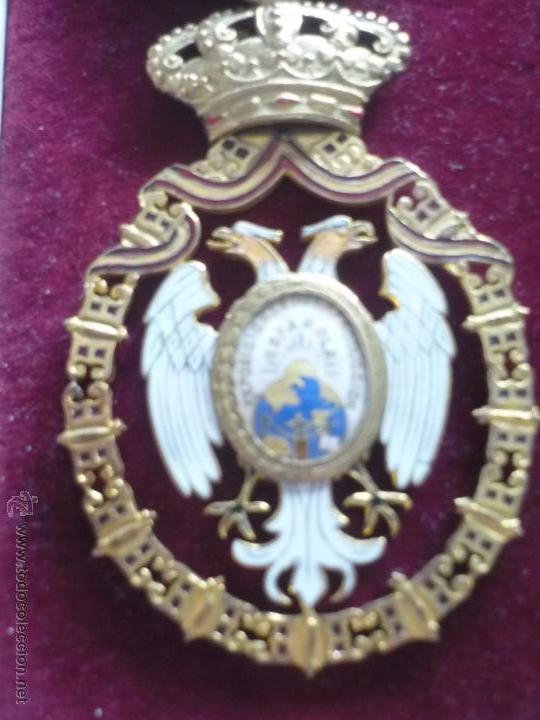Medallas condecorativas: Medalla de Oro de la Feria de Navidad del Retiro de Madrid de 1927 ( es plata dorada) - Foto 2 - 53212196