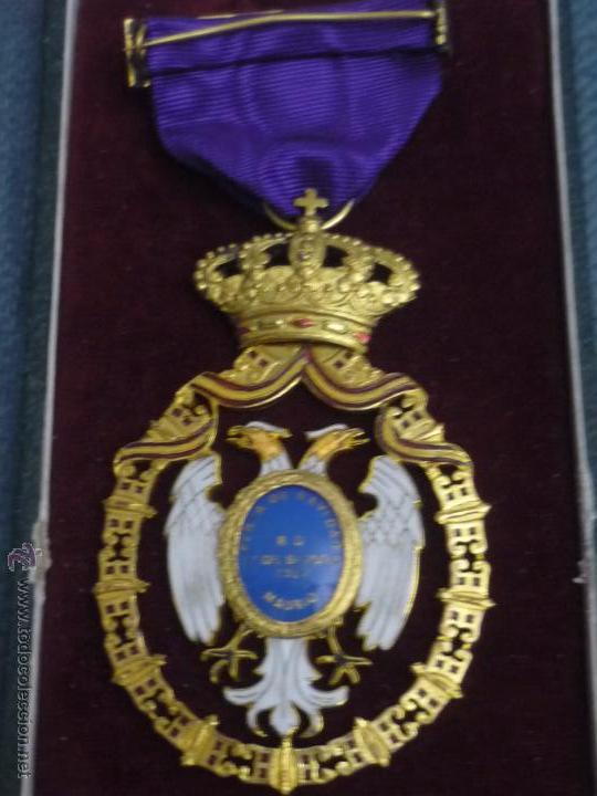 Medallas condecorativas: Medalla de Oro de la Feria de Navidad del Retiro de Madrid de 1927 ( es plata dorada) - Foto 7 - 53212196