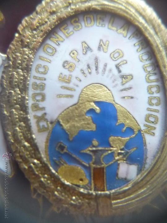 Medallas condecorativas: Medalla de Oro de la Feria de Navidad del Retiro de Madrid de 1927 ( es plata dorada) - Foto 11 - 53212196