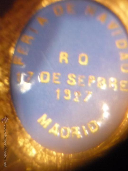 Medallas condecorativas: Medalla de Oro de la Feria de Navidad del Retiro de Madrid de 1927 ( es plata dorada) - Foto 17 - 53212196