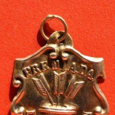 Medallas condecorativas: ANTIGUA Y RARA MEDALLA AL MERITO ESCOLAR PREMIADA LA APLICACION. Lote 53609080