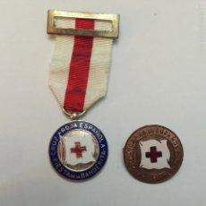Medallas condecorativas: CRUZ ROJA ESPAÑOLA. MEDALLA Y PIN A LA CONSTANCIA. FIESTA DE LA BANDERITA.. Lote 55155010