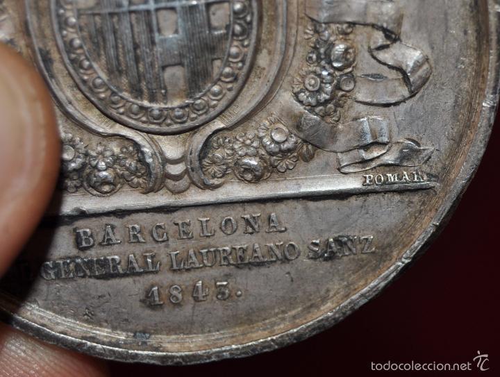 Medallas condecorativas: RARA MEDALLA EN PLATA. BARCELONA / AL GENERAL LAUREANO SANZ / 1843 - Foto 3 - 58833276