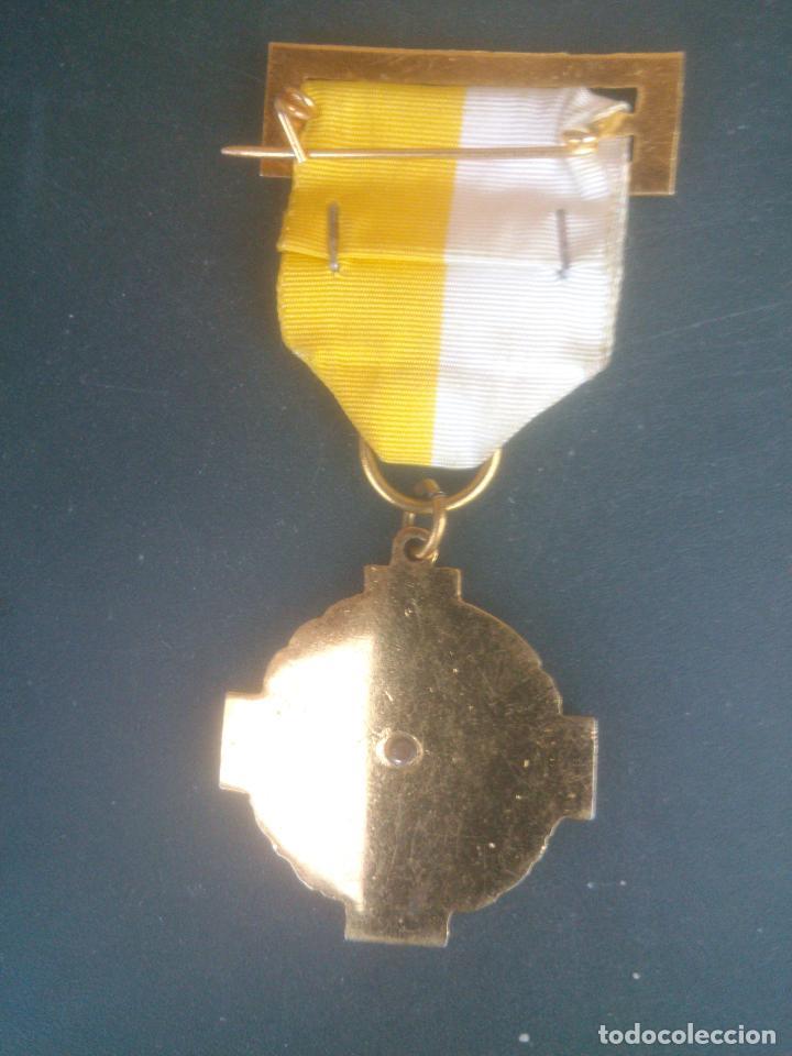 Medallas condecorativas: ANTIGUA MEDALLA COLEGIO.PREMIO AL MERITO SAN JOSE VALLADOLID - Foto 3 - 61630820