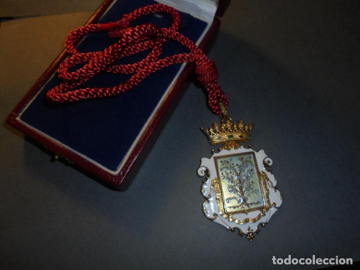 Medallas condecorativas: ANTIGUA MEDALLA DE PLATA DORADA Y ESMALTES CON SU ESTUCHE DEL CONSEJO SUPERIOR DE INVESTIGACIONES - Foto 4 - 71937971
