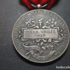 Medallas condecorativas: MEDALLA REPUBLICA FRANCESA. MINISTERIO COMERCIO E INDUSTRIA HONOR AL TRABAJO 1929. Lote 96937091