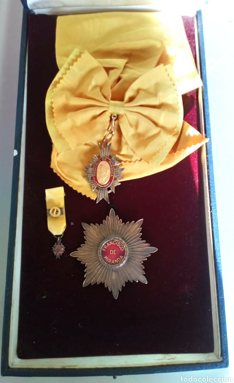 Medallas condecorativas: CONDECORACIÓN D PLATA ORDEN FRANCISCO D MIRANDA 1 a CLASE GENERALÍSIMO D VENEZUELA. MARISCAL FRANCIA - Foto 6 - 97623227