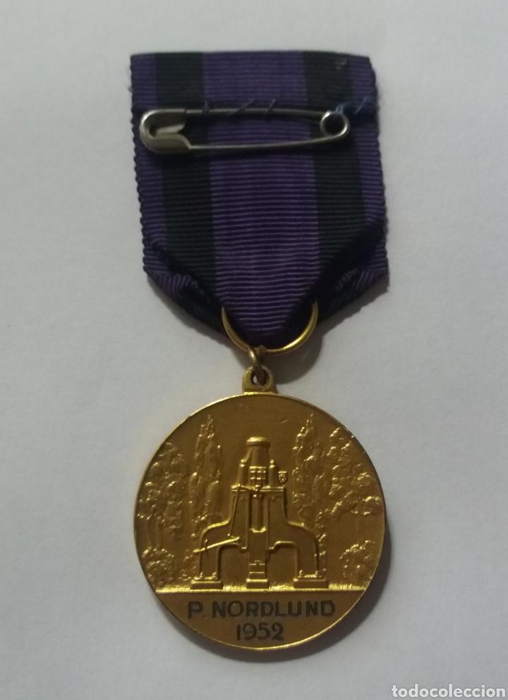 Medallas condecorativas: MEDALLA PLATA SUECIA SANDVIKENS JERNVERKS HEDERSTECKEN 1952 - Foto 2 - 112054443