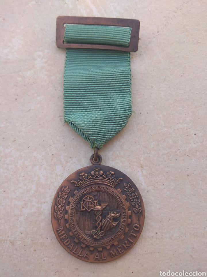 MEDALLA AL MERITO DE LA CAMARA DE COMERCIO INDUSTRIA Y NAVEGACIÓN DE VALENCIA (Numismática - Medallería - Condecoraciones)