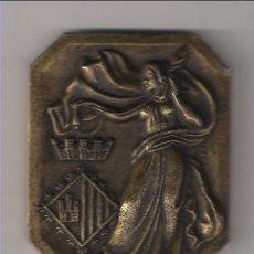 Medallas condecorativas: MEDALLA D'OR DE LA CIUTAT DE TERRASSA VOLUNTARIS 92. ENTREGADA EL 29-10-92. BRONCE. (MD15). Lote 113162839