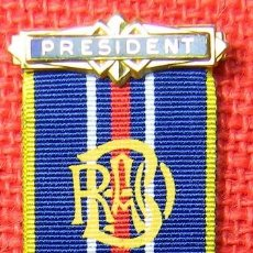 Medallas condecorativas: MEDALLA PRESIDENTE GRAN LOGIA MASONICA DE INGLATERRA – 1995 – 39 GRAMOS 12 CMS. Lote 114920059