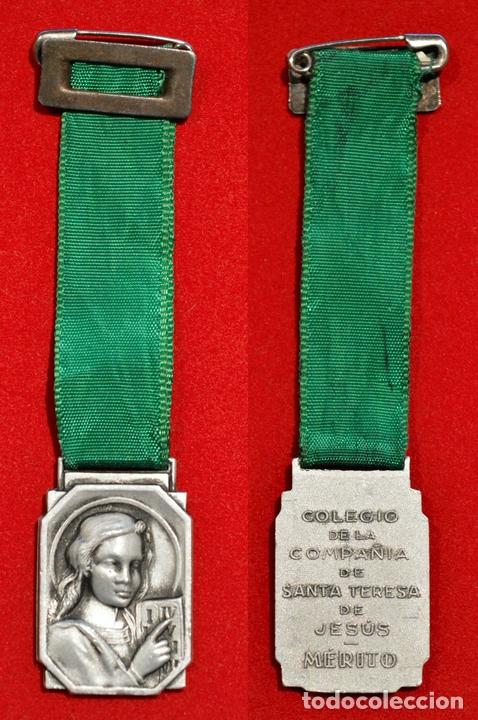 Medallas condecorativas: MEDALLA AL MERITO COLEGIO DE LA COMPAÑIA DE SANTA TERESA DE JESUS BARCELONA 1950 - Foto 2 - 51131525