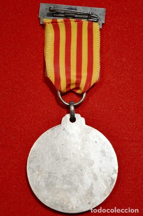 Medallas condecorativas: MEDALLA CORAL LA VINYA DE SANTS 1945 BARCELONA - Foto 4 - 52802260