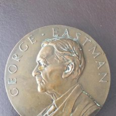 Medallas condecorativas: GEORGE EASTMAN - MEDALLA DE BRONCE - IN RECOGNITION OF MORE THAN A QUARTER. Lote 134199914