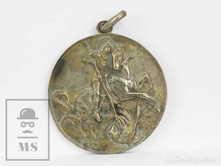 ANTIGUA MEDALLA PLATEADA - SANT JORDI / PREMIO ASISTENCIA Y PUNTUALIDAD, CURSO 1947-48 (Numismática - Medallería - Condecoraciones)
