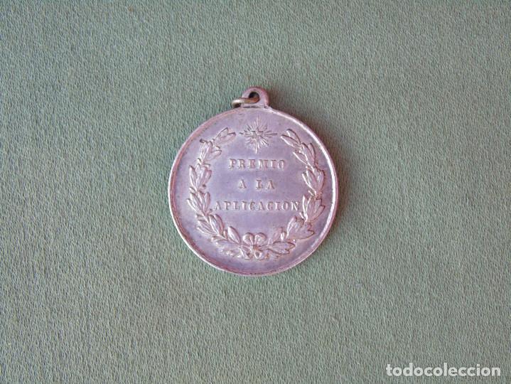 Medallas condecorativas: MEDALLA ESCOLAR. PREMIO A LA APLICACIÓN. - Foto 2 - 139172046