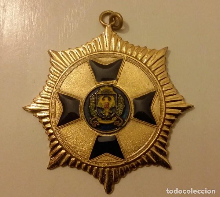 EXTINTA CONDECORACIÓN DE LA ANTIGUA POLICÍA METROPOLITANA DE CARACAS. VENEZUELA (Numismática - Medallería - Condecoraciones)