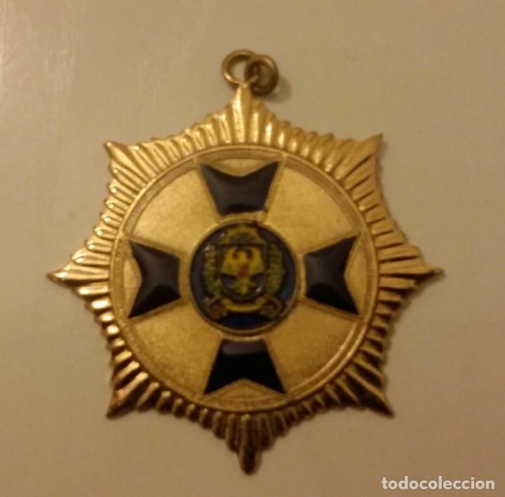 Medallas condecorativas: EXTINTA CONDECORACIÓN DE LA ANTIGUA POLICÍA METROPOLITANA DE CARACAS. VENEZUELA - Foto 4 - 140628202