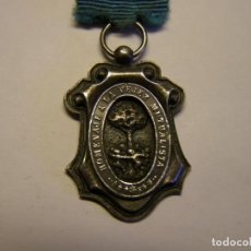 Medallas condecorativas: ANTIGUA MEDALLA HOMENAJE A LA VEJEZ MUTUALISTA, DE PLATA.. Lote 143002658