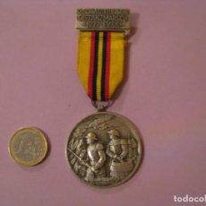 Medallas condecorativas: MEDALLA BOMBEROS SUIZA. 12. SCHWEIZ FEUERWEHR DISTANZMARSCH 1977 LYSS. P. KRAMER NEUCHATEL.. Lote 145206138