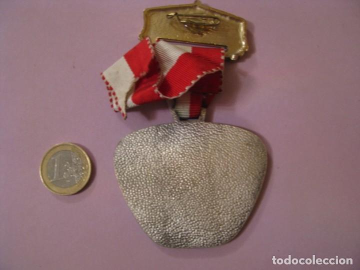 Medallas condecorativas: MEDALLA BOMBEROS SUIZA. 4. REGIO-FEUERWEHRMARSCH. 1976. - Foto 2 - 145206758