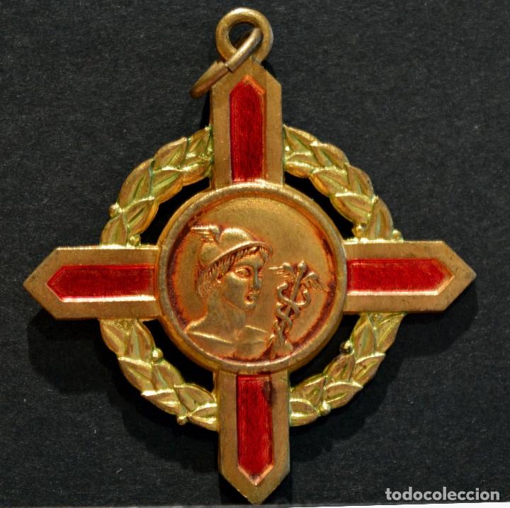 ANTIGUA MEDALLA EN LATÓN Y ESMALTES COLEGIO DE AGENTES COMERCIALES (Numismática - Medallería - Condecoraciones)