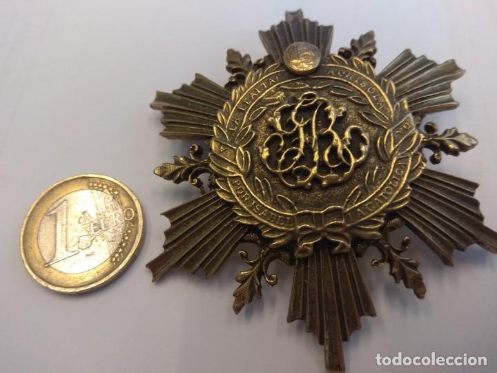 BROCHE: A LA LEALTAD ACRISOLADA. POR ISABEL LA CATÓLICA (Numismática - Medallería - Condecoraciones)