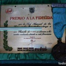 Medallas condecorativas: RENFE-MEDALLA Y PLACA A LA FIDELIDAD-TREN-FERROCARRILES. Lote 149537134