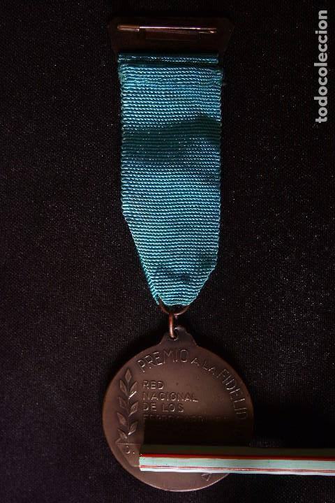 Medallas condecorativas: RENFE-MEDALLA Y PLACA A LA FIDELIDAD-TREN-FERROCARRILES - Foto 4 - 149537134