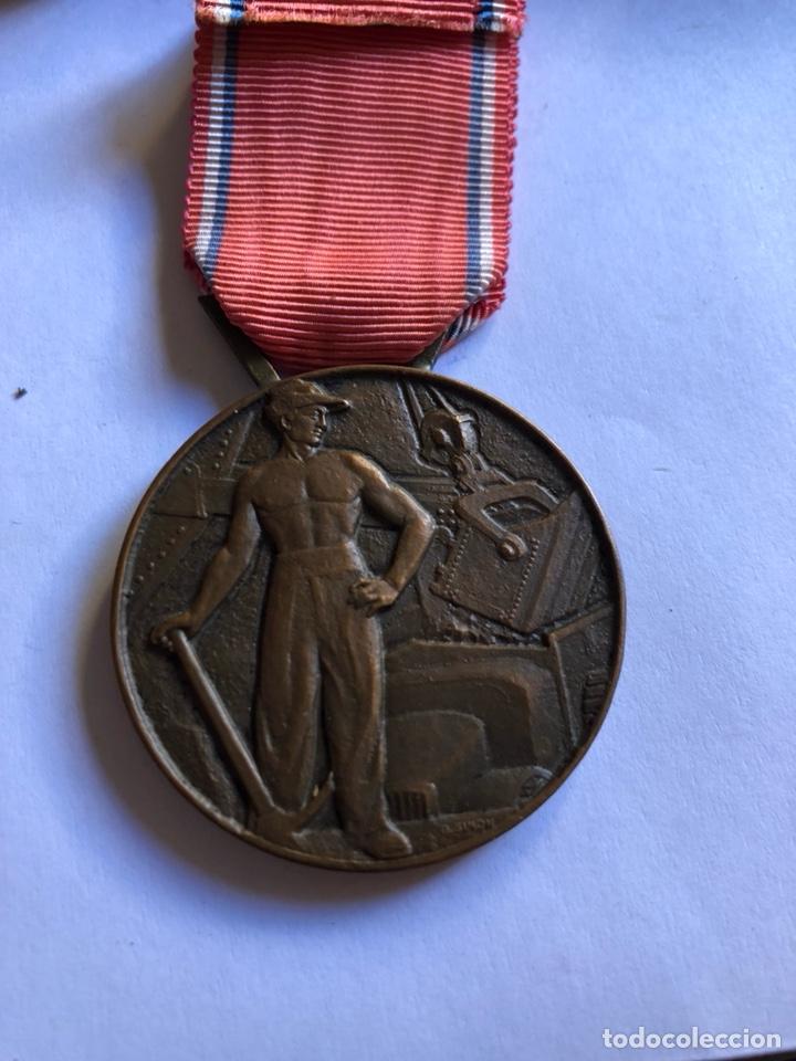 Medallas condecorativas: Lote de 6 medallas francesas con sus cajas - Foto 3 - 153659948