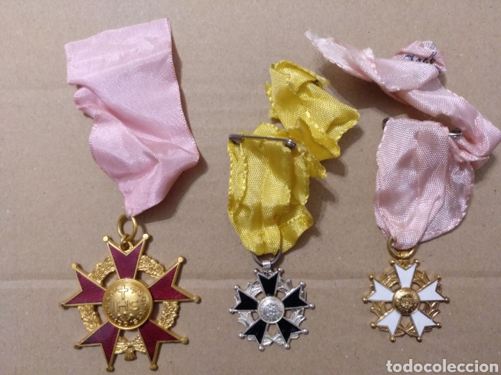 RD- LOTE DE SIETE MEDALLAS ESCOLARES DIVERSAS. INTERESANTE LOTE. (Numismática - Medallería - Condecoraciones)