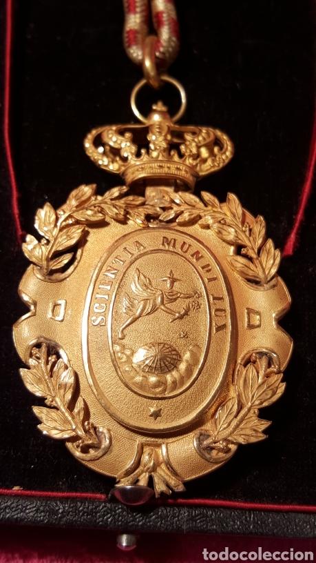 Medallas condecorativas: MEDALLA DE LA REAL ACADEMIA HISPANO AMERICANA - Foto 4 - 157854806